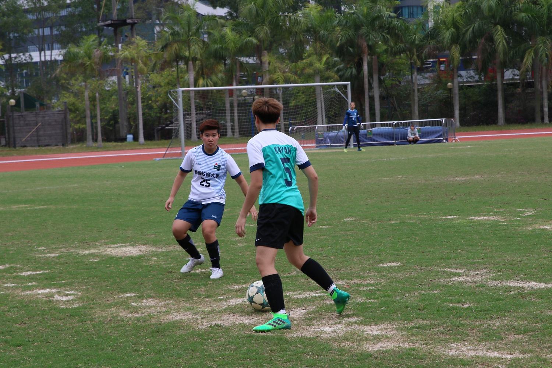 2017-18 女子足球比賽